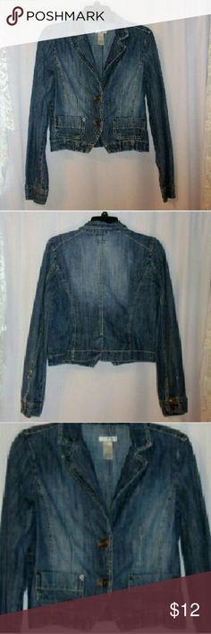 """Tint cropped denim blazer size medium. Bust 38"""" . Length 19"""". 100% cotton tint Jackets & Coats Jean Jackets"""