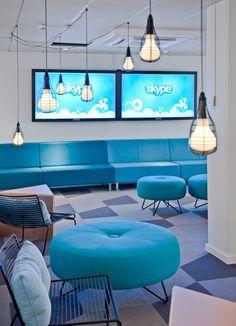 #interiorismo #oficina #working #skype #azules #bombillas #descanso