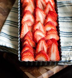 strawberry pecan tart