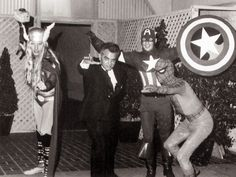 Jack Kirby at The Brown Derby with costumed characters in 1969 courtesy of Mark Evanier jackkirby15a.jpg (1000×750)