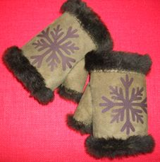 Half mittens made from sheep skin