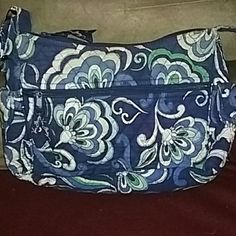 LAST CALL!! Vera Bradley Pocketbook CLOSET SALE!  Beautiful blue Vera Bradley bag...gently used and in great condition! Vera Bradley Bags
