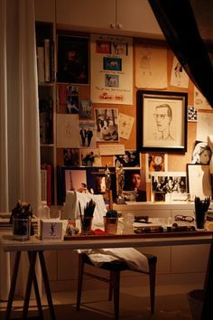 Art saint laurent yves saint laurent on pinterest yves for Bureau yves saint laurent