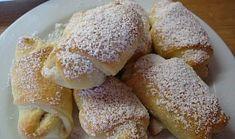 Křehké rohlíčky Czech Recipes, Ciabatta, Pretzel Bites, French Toast, Bread, Cookies, Breakfast, Czech Food, Basket