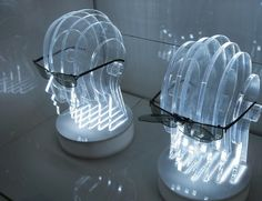 Display em acrilico com iluminação em led