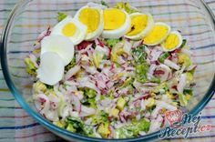 Radish salad recipe with yoghurt dressing Salat - Avocadosalat - Blattsalat - Bohnensalat - Source B Gnocchi Pesto, Salad Recipes, Cake Recipes, Radish Salad, Healthy Drinks, Potato Salad, Food And Drink, Appetizers, Low Carb