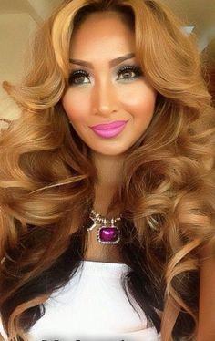 To get a honey blonde hair color you will need to choose a shade that complements your skin tone. Choosing a color for your hair can be a bit confusing especially if you're considering a honey blonde. Love Hair, Gorgeous Hair, Beautiful, Weave Hairstyles, Pretty Hairstyles, Blonde Hairstyles, Prom Hairstyles, Ladies Hairstyles, Honey Blonde Hair Color