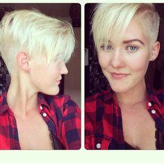 Glänzende blonde Frisuren, die die Haare strahlen lassen