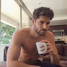 Today's celebrity hair inspiration is professional model Nick Bateman. His messy…