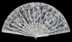 Magnificent Brussels Point de Gaze Lace Fan - Date: ca. 1900-1905