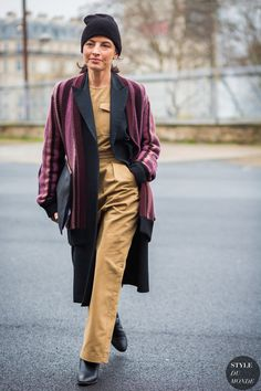 Julie Ragolia Street Style Street Fashion Streetsnaps by STYLEDUMONDE Street Style Fashion Photography