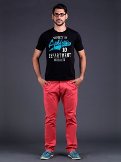 Geeky boy! If you are in a geek style mode then go for this lovely pink chinos and pair it up with a casual athletic tee and handsome pair of blue moccasin. Don't forget sleek hair and a pair of spectacle.