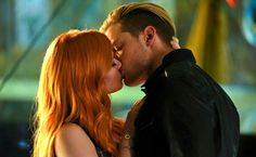 Clary and Jace kiss