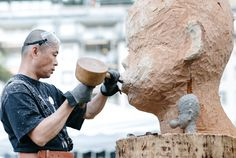 The Summer Of Sculptures - Chain saws, logs and safety glasses at the International Sculpture Symposium in Davos : where art is being made, things can get messy. World Economic Forum, Davos, Logs, Design Crafts, Mount Rushmore, Safety, Chain, Glasses, Art