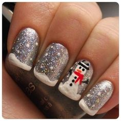 88 Awesome Christmas Nail Art Design Ideas 2017 - Do you want to quickly get catchy nails for Christmas? Curious about the hottest Christmas nail art design ideas that are presented for this year? Nail Art Noel, Nail Art Diy, Diy Nails, Cute Nails, Pretty Nails, Xmas Nail Art, Cute Christmas Nails, Xmas Nails, Christmas Nail Art Designs