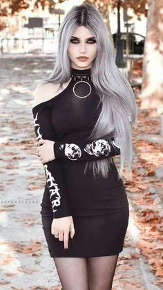 Model: Dayana Crunk pastel goth pastel hair goth goth girl goth fashion g Hot Goth Girls, Gothic Girls, Alternative Mode, Alternative Fashion, Goth Beauty, Dark Beauty, Dark Fashion, Gothic Fashion, Steampunk Fashion