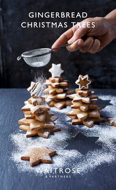 These gingerbread trees make a great centrepiece for the Christmas table or as a gift for friends and family. Christmas Tree Food, Diy Christmas Gifts For Friends, Gingerbread Christmas Tree, Edible Christmas Gifts, Christmas Hamper, Edible Gifts, Christmas Cooking, Noel Christmas, Homemade Christmas