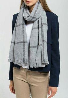 Dorothy Perkins grey scarf £11.99