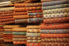 Yazd - Artisanat - tous les tissus pour le souzan douzi