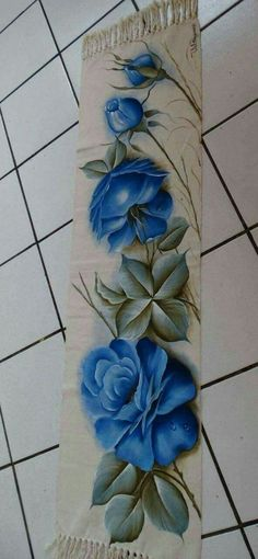 Fabric Paint Designs, Fabric Painting, Painting Techniques, Painted Furniture, Needlework, Vase, Embroidery, Flowers, Painted Rug