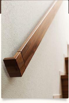 And More(ライブナチュラルプレミアム)   朝日ウッドテック株式会社-フローリング・床材・木質建材など Modern Stair Railing, Staircase Handrail, Steel Railing, Glass Railing, Banisters, Stair Treads, Home Stairs Design, Interior Stairs, Wood Handrail