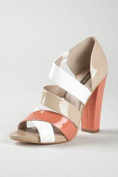 How great are these criss-cross color block Joan and David heels? They're on Hautelook right now if you love them!