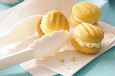Melting Moments using Easy Baking Recipes No Bake Treats, No Bake Cookies, No Bake Desserts, Dessert Recipes, Baking Cookies, Custard Cookies, Biscuit Cookies, Snacks Recipes, Yummy Cookies