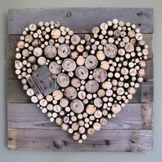 Use Pallet Wood Projects to Create Unique Home Decor Items – Hobby Is My Life Diy Wood Pallet, Wood Pallets, Pallet Ideas, Wooden Diy, Heart Decorations, Valentines Day Decorations, Valentines Day Decor Rustic, Valentine Heart, Valentines Diy