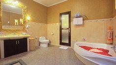 Simply fit for royalty! Villa Saraswati in Seminyak, http://www.villa-bali.com/en/villa/seminyak/villa-saraswati