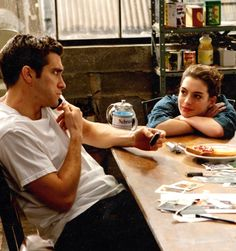 Love and Other Drugs, Anne Hathaway and Jake Gyllenhall