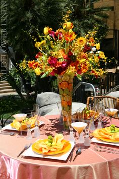 citrus themed #centerpiece and place setting