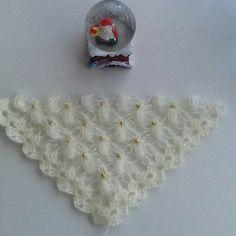 Seher. Ç Crochet Scarves, Crochet Shawl, Hairstyle Trends, Moda Emo, Cowl, Crochet Patterns, Beautiful, Diamond Earrings, Crochet Stitches