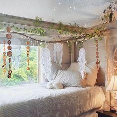 """""""Un hogar debe ser el punto de partida de la esperanza, el amor y los sueños.""""  ❤️ Foto que muestra a #DejaWallMural dreamcatchers.  Mensaje o visite nuestro sitio web para nuestra tienda en línea, 👇🏼 @ dreamcatcher_collective_au ✨www.dreamcatcher-colectivo-australia.com - #interior #interieur #bohemiandecor #boho # showhometop5 # interiør #boligliv #myhome # interior123 #jungalowstyle #asafotoninspo #boheme # Interior4all #interior_and_living #dream_interiors #myhousebeautiful #…"""