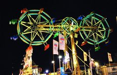 As a teenager, this was like the ultimate ride at the carnival (the double ferris wheel) No longer there but would love to ride again! Fair Rides, Send In The Clowns, Amusement Park Rides, Carnival Rides, Neon Rainbow, Travel Light, My Ride, Roller Coaster, Travel Photography