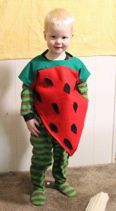 DIY strawberry costume Unique Costumes, Easy Halloween Costumes, Cute Costumes, Halloween Fashion, Halloween Town, Halloween 2014, Watermelon Costume, Strawberry Costume, Strawberry Crafts