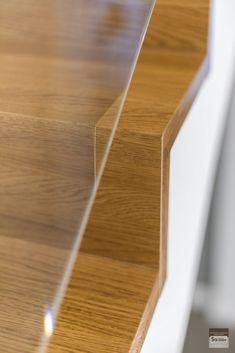 Schody dywanowe, balustrada szklana. Realizacja w Rybniku – Sob-Drew Schody drewniane Interior Stair Railing, Home Stairs Design, House Stairs, Kuta, Staircases, Room Decor, Columns Inside, Trapillo, Ideas