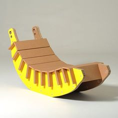 Are you looking for ideas for creative and eco-friendly furniture? Then browse through our 60 suggestions for charming cardboard furniture. Cardboard Chair, Diy Cardboard Furniture, Cardboard Design, Paper Furniture, Cardboard Sculpture, Types Of Furniture, Cardboard Crafts, Unique Furniture, Furniture Projects