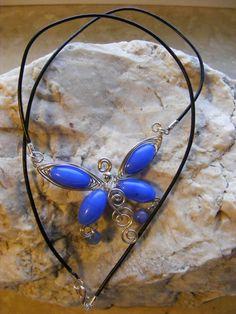 Naszyjnik z jadeitu w kształcie motyla