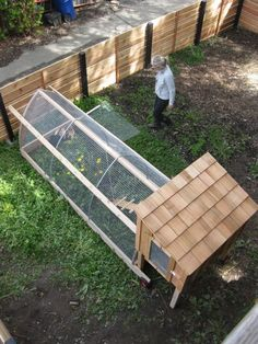 A Run for you Chicken Coop I'm thinking I can use a smaller version of this design of the run only for chicken tunnels around my yard and garden.