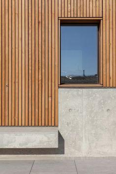 Ma, ivo tavares studio · house in avanca larch cladding, exterior cladding Wood Cladding Exterior, Larch Cladding, House Cladding, Design Exterior, Facade Design, Modern Exterior, Wall Design, Concrete Architecture, Concrete Facade