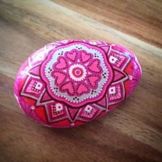 Pierres de mandala peint à la main, à la main de roche peinte, pierres, roches de mandala