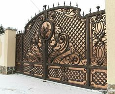 Wrought iron gates Though historic with concept, the pergola has become going through a bit Front Gate Design, Door Gate Design, House Gate Design, Fence Design, Iron Fence Gate, Metal Gates, Wrought Iron Gates, Driveway Gate, Modern Main Gate Designs