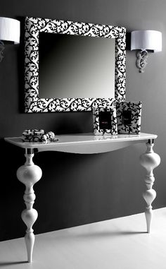 The Boss - Mirror with white glossy velvet and white lacquered solid oak consolle by Esselle Arredo