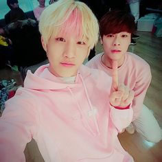 Jinjin and jin both like pink i guess