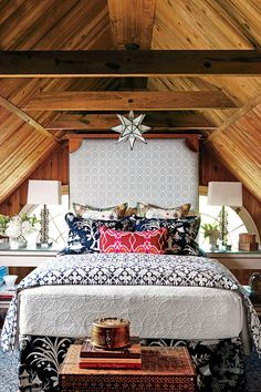 Beautiful Blue Bedrooms: Navy Guest Bedroom