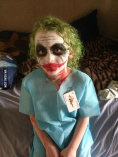 My son The Joker goes to school years old!) How did my wife do with his face paint Joker Halloween Costume, Family Halloween Costumes, Boy Costumes, Halloween Birthday, Halloween Kids, Halloween Face, Costume Ideas, Joker Face Paint, Joker Makeup