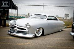 Hot Rod.... i Looove this mercury my fav car from the 50's!! i want one!!