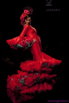 She was pure fire. as if she had swallowed the sun and it danced in her rushing blood. Flamenco Costume, Flamenco Party, Flamenco Dresses, Spanish Dancer, Dance Art, Just Dance, Shades Of Red, Lady In Red, Beautiful People