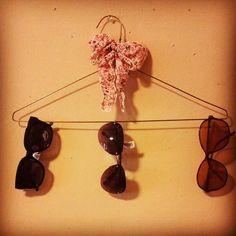 DIY Sunglass Holder dry cleaning hanger $0 bow…  https://onevietnam.org/topic/164145