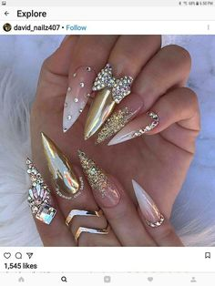 White gold and neutral stiletto nails with rhinestones and ribbon Sexy Nails, Glam Nails, Dope Nails, Fancy Nails, Ongles Bling Bling, Bling Nails, Gold Stiletto Nails, Coffin Nails, Bling Nail Art